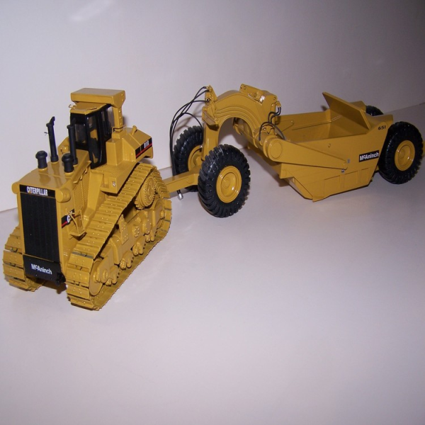 Cat D11R with 651 pull pan by Black Rat Models